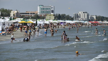 agerpres mamaia plaja litoral