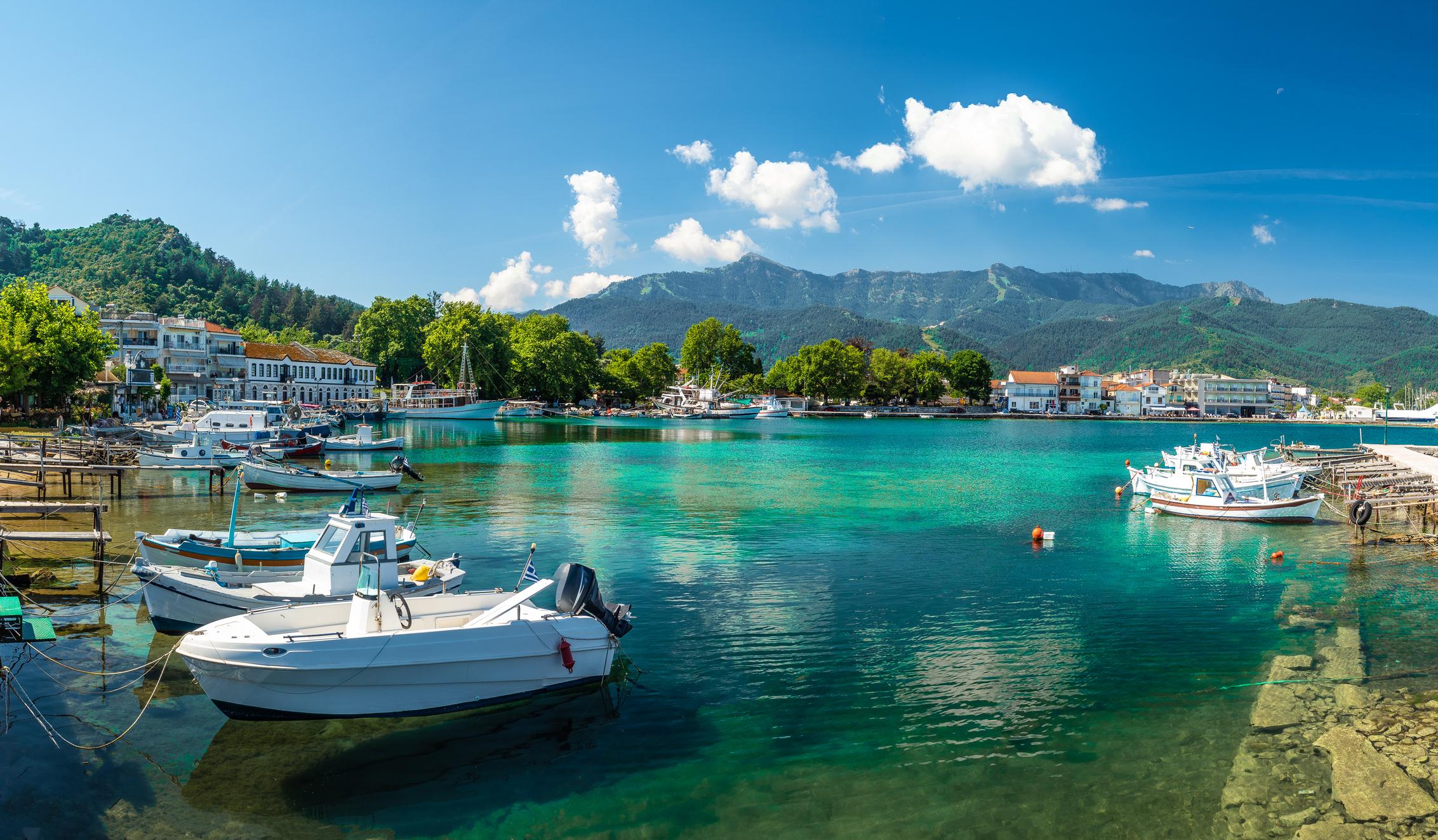 Conditiile in care romanii pot merge in vacanta in Grecia, din 16 aprilie. Cum poate fi evitata carantina la intoarcerea in tara