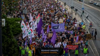 manifestatie pentru presa ungaria - index