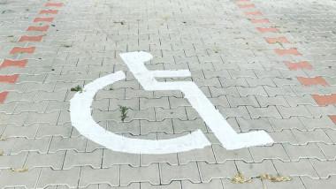 loc de parcare dizabilitati