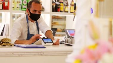 Hotelurile și restaurantele din Irlanda refuză să mai primească turiști americani de teama coronavirusului