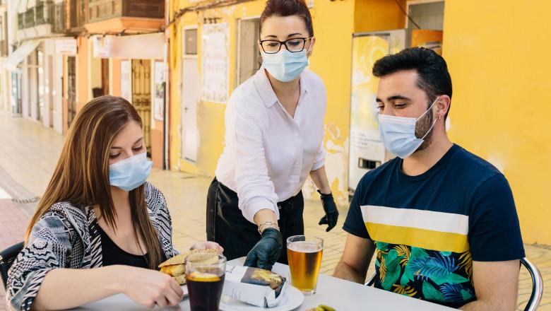 Hotelierii din Spania, grav afectați de pandemie, se oferă să plătească testările turiștilor străini pentru COVID