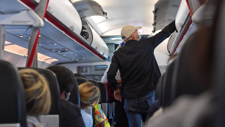 avion coronavirus pasageri