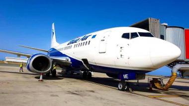 avion-blue-air-la-sol