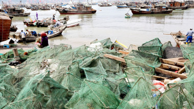 Fishing Ban Lifted In East China