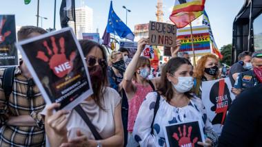 Polonia protestează după ce Comisia Europeană a blocat fonduri UE pentru câteva oraşe ce au adoptat rezoluţii anti-LGBT