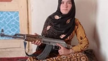 O adolescentă din Afganistan a ucis doi talibani pentru a-și răzbuna părinții