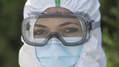 protest-medici-costume-sanitas-guvern-coronavirus-inquam-ganea (3)