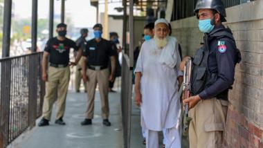 barbat-ucis-in-pakistan-profimedia