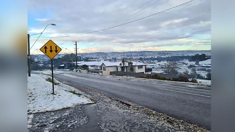 """În Tasmania a nins prima dată după aproape 50 de ani: """"Nu am văzut niciodată zăpadă"""""""