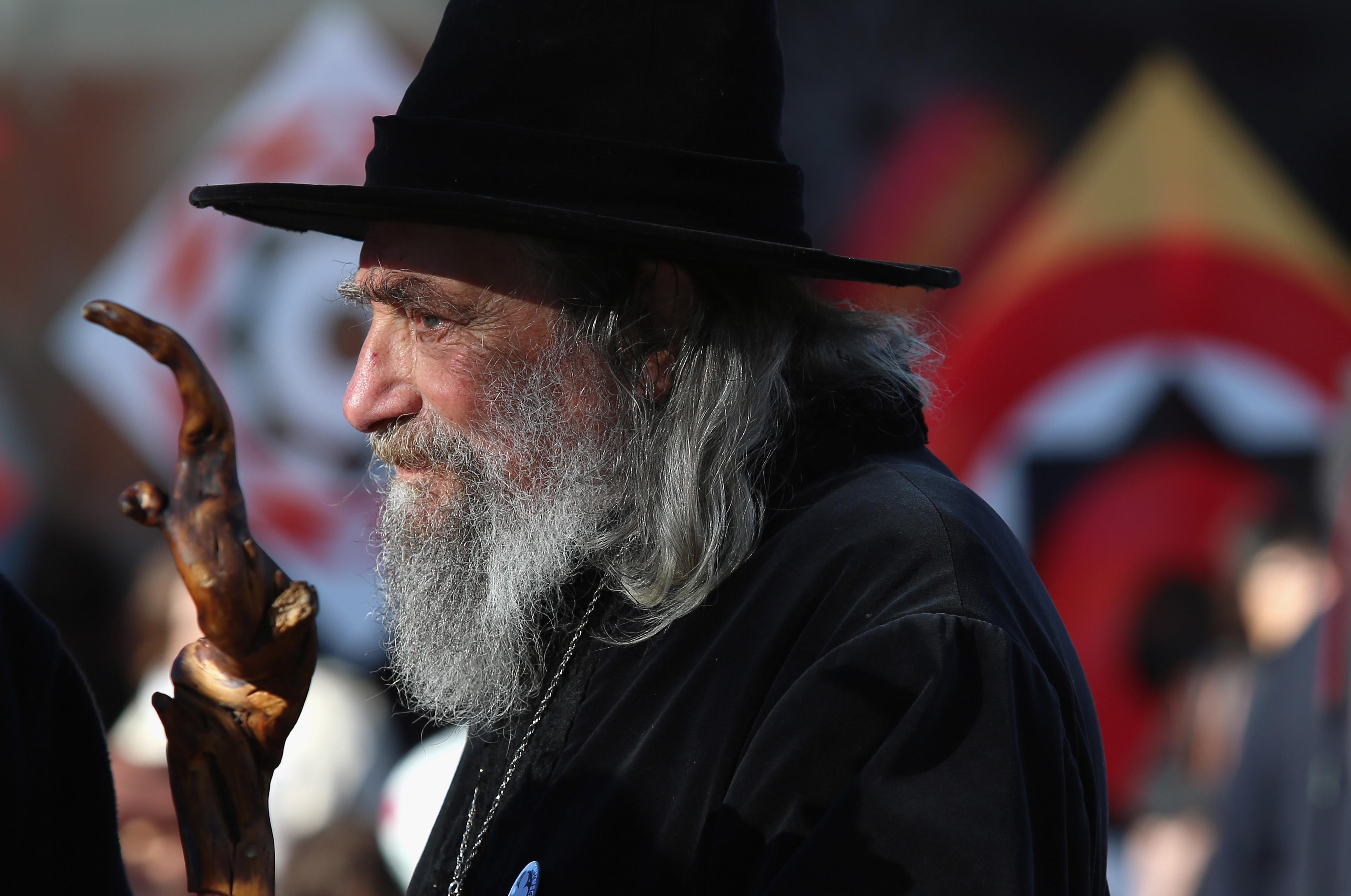 Povestea Vrăjitorului din Noua Zeelandă care este plătit de autorități peste 10.000 de dolari