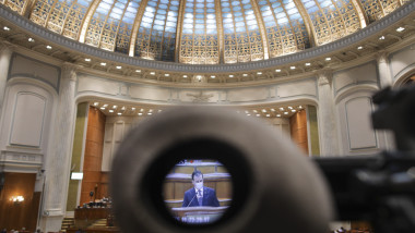 ludovic orban in parlament_INQUAM_Photos_Octav_Ganea