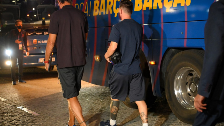 Barcelona's Argentinian forward Lionel Messi arrives at the team's hotel after being defeated during the UEFA Champions League quarter-final football match against Bayern Munich at the Luz stadium in Lisbon on August 14, 2020.,Image: 552554615, License: Rights-managed, Restrictions: , Model Release: no