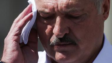 """Autocare cu muncitori aduși cu forța la mitingul pro-Lukașenko din Minsk: """"V-am chemat aici pentru a vă apăra țara"""""""