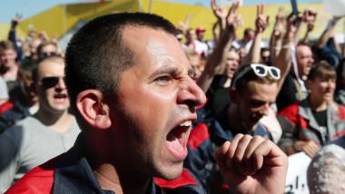 Workers go on strike in Minsk