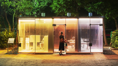 toaleta transparetă Tokyo