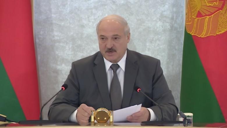 Aleksandr Lukașenko în ședința Consiliului de Securitate al țării