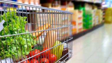 Comercianții dau asigurări că au marfă suficientă și că nu este motiv de panică