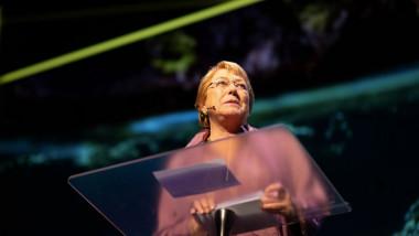 """Pandemia de COVID-19 nu trebuie să fie un """"cec în alb"""" pentru încălcarea drepturilor omului, a avertizat Înaltul comisar al ONU pentru drepturile omului, Michelle Bachelet"""
