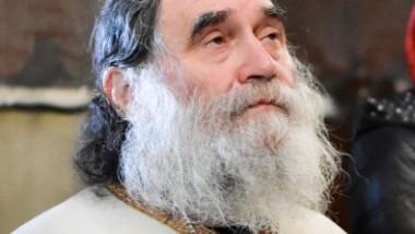 Laurențiu Popa, starețul Mănăstirii Stânișoara din județul Vâlcea, a murit după ce s-a infectat cu coronavirus. De unde a luat boala