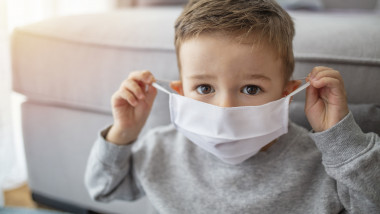 masca copil scoala coronavirus