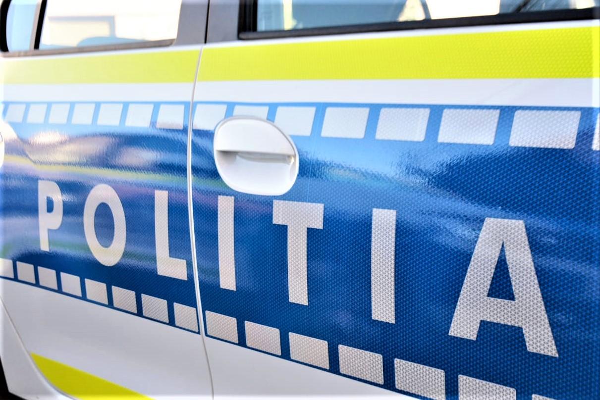UPDATE. Sechestrare de persoane la Onești. Doi bărbați au murit, iar agresorul a fost împușcat de poliție