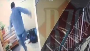 Curier de 69 de ani, bătut violent în scara unui bloc din Cluj