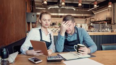 Antreprenori cu probleme financiare