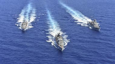 nave militare elene în Marea Mediterană