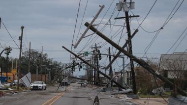 Dezastru lăsat în urma de uraganul Laura