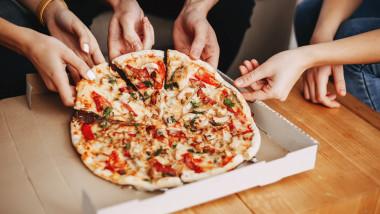 pizza, livrare pizza