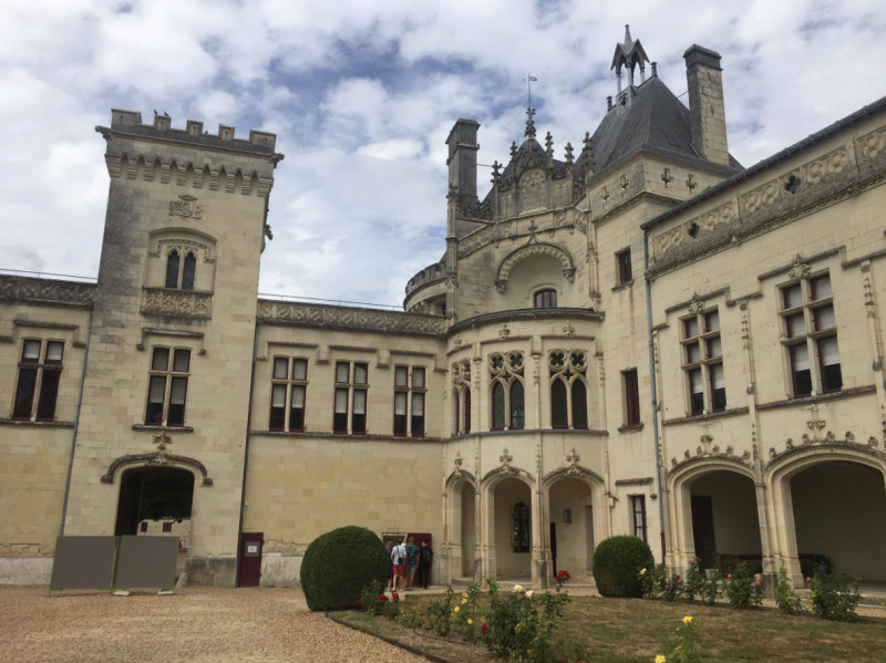 Curtea interioară a Castelului Breze