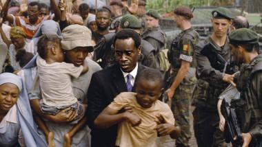 scena din filmul Hotel Rwanda