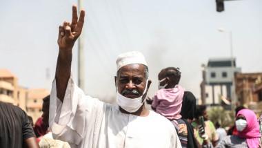 După un război de 17 ani, guvernul din Sudan a încheiat un acord de pace istoric cu rebelii