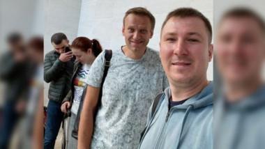navalnii pe aeroportul din Tomsk - foto Ilia Agheev via BBC