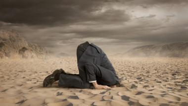 Deflația cu recesiunea reprezintă cel mai negru coșmar al economiștilor