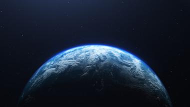 jumatate din planeta pamant vazuta din umbra
