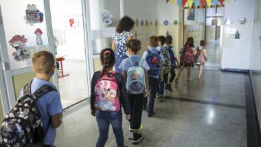 prima-zi-de-scoala-2020-2021-pandemie-coronavirus-inquam-ganea (3)