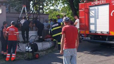 Un copil din Vrancea, căzut într-o fântână adâncă de 22 de metri, a fost salvat de pompierii militari