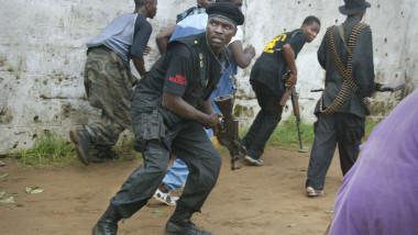 rebeli arme munitie violente