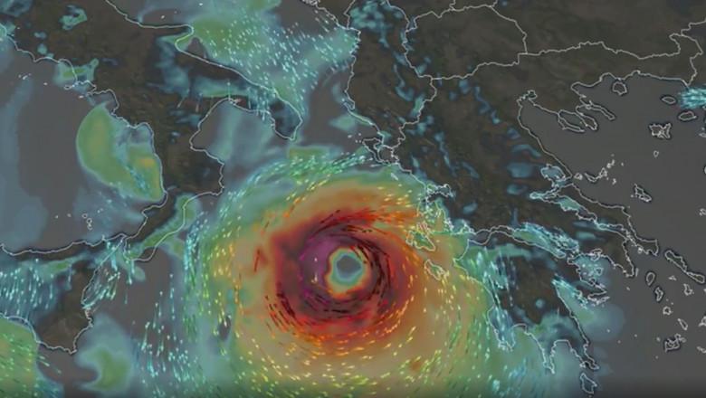 Uraganul mediteranean Janos în apropiere de Grecia