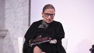 Progresista Ruth Bader Ginsburg cea mai veche judecătoare a Curții Supreme a SUA, a murit la 87 de ani de cancer pancreatic