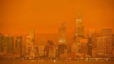 Din cauza incendiilor de vegetație, cerul a devenit roșu în California