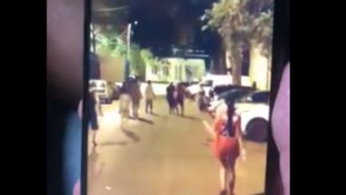 O ceartă între copii s-a transformat într-un conflict violent între părinți în Rahova. Un bărbat a fost lovit în cap cu o bâtă