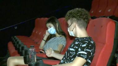 indragostiti la cinema cu masca - captura