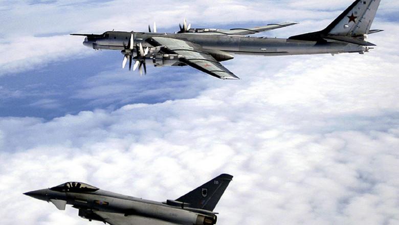 Typhoon si TU 142 Bear F avion vanatoarea uk raf ;i bombardier rusesc profimedia