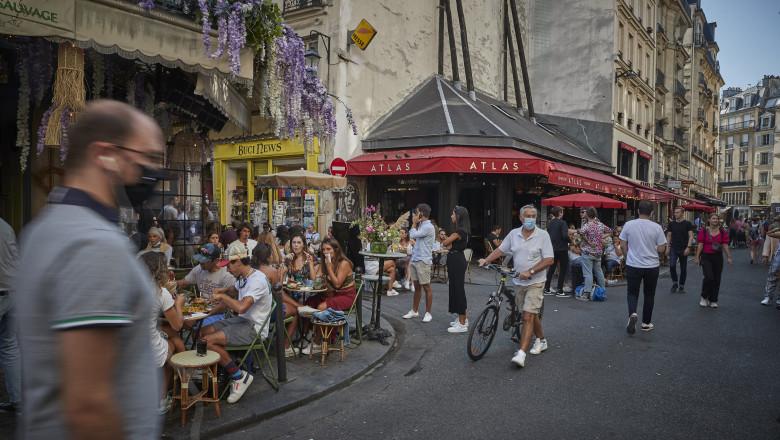Restaurante din Paris deschis în pandemia de coronavirus.