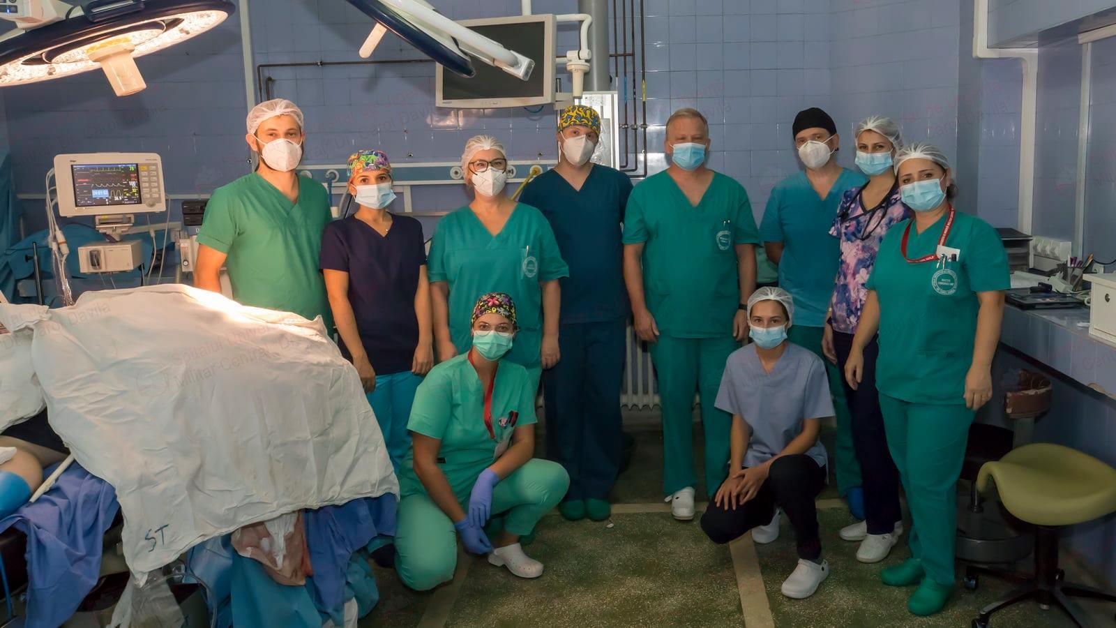 operatie-maraton-24-de-ore-spitalul-militar-carola-davila-fb (4)