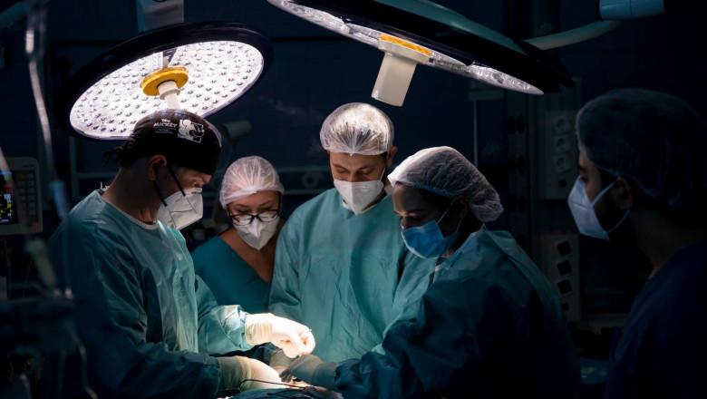 operatie-maraton-24-de-ore-spitalul-militar-carola-davila-fb (10)