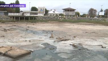 Lacul de la Techirghiol a scăzut ca nivel și s-a retras din cauza secetei severe din 2020 F